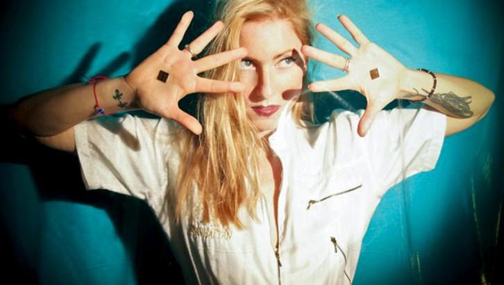 Ellen Allien mezcla una sesión con vinilos para la serie i-DJ